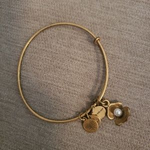 Alex and ani gold oyster with pearl bangle